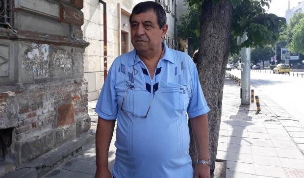 Този е кондукторът, брутално нападнат с юмруци в Пловдив
