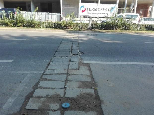 Безобразна грозотия! Развалиха читав булевард пред нов хотел в Пловдив!